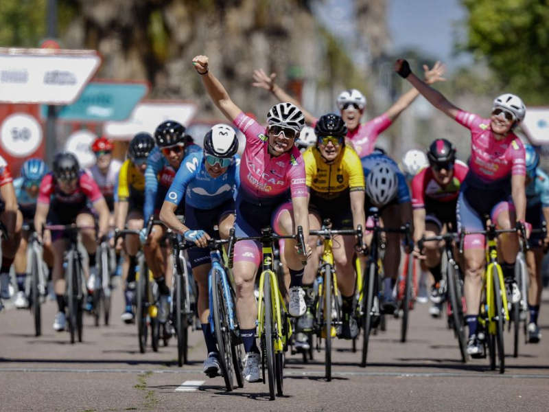 valcar rosa ciclismo femminile consonni