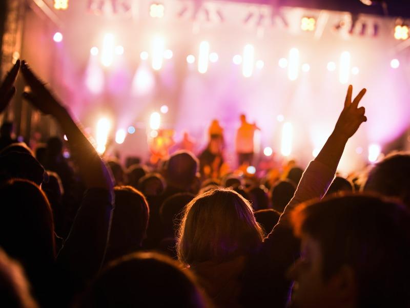 Noleggio Trasporti per Eventi Musicali e Culturali | Travel & Service