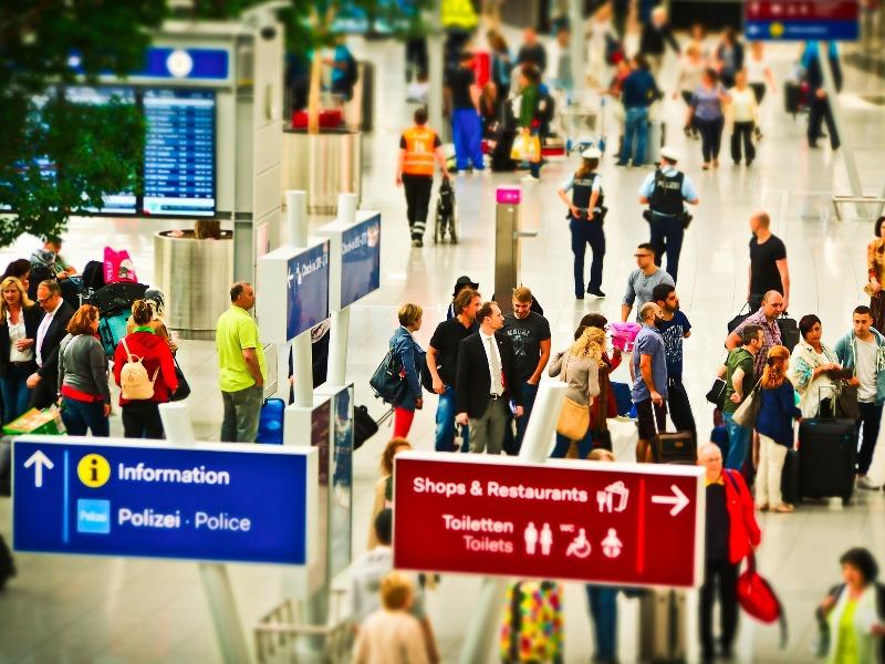 Trasferimenti per Porti e Stazioni FFSS | Travel & Service