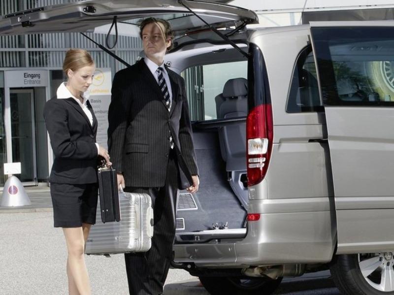Noleggio Automezzi con Conducente (NCC) preventivo online | Travel & Service