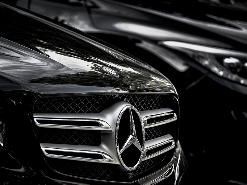 Transfer-business-Mercedes-Logo-Traverl-and-Service
