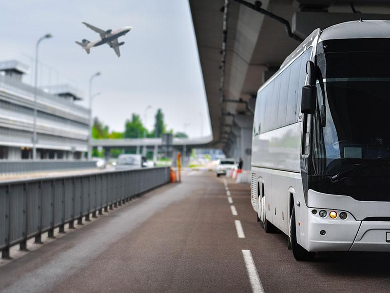 Transfer-Aereoporto-Pullman-Traverl-and-Service
