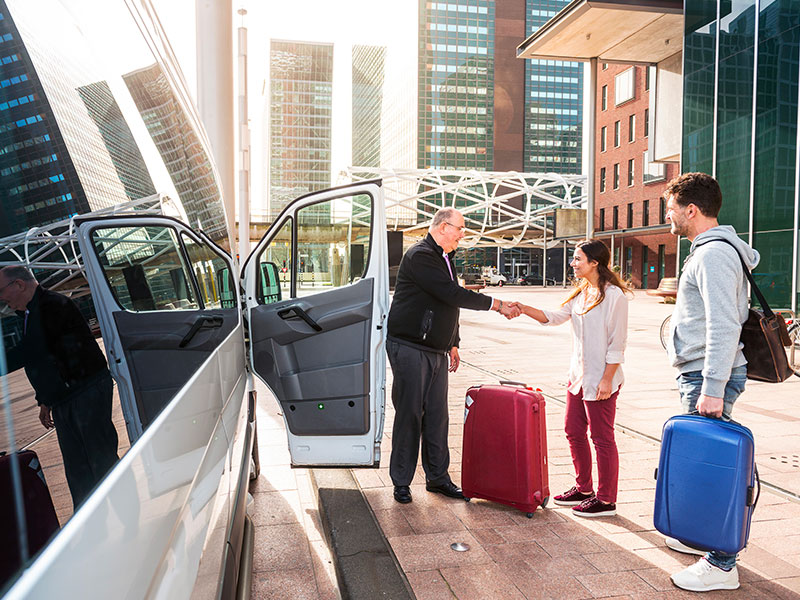 Transfer-Aereoporto-valige-Traverl-and-Service