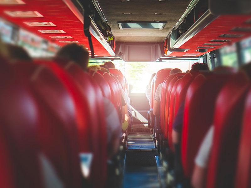 Trasporto-per-squadre-interna-Traverl-and-Service