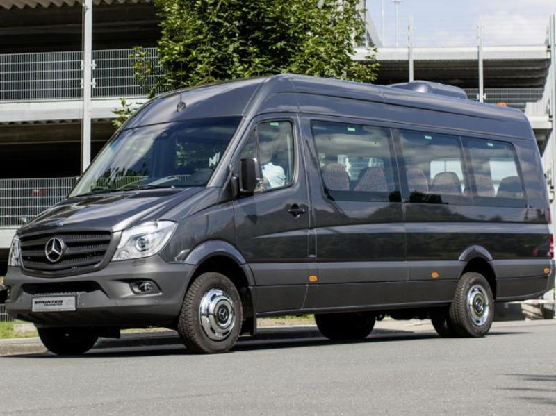 Noleggio Minibus fino 31 posti con conducente | Travel & Service