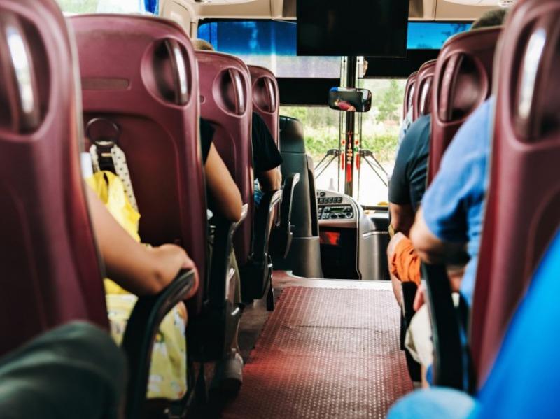 Noleggio Pullman con conducente 50 - 54 posti | Travel & Service