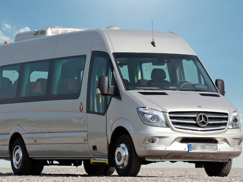 Noleggio Minibus 14-20 posti con conducente | Travel & Service