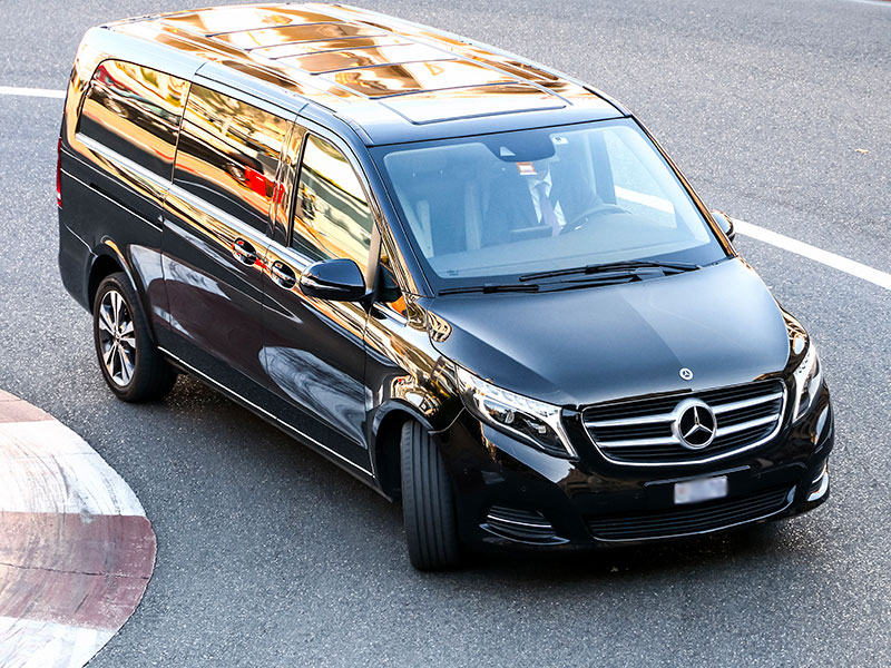 Minivan 6-8 posti Mercedes Classe V Curva - Travel and Service