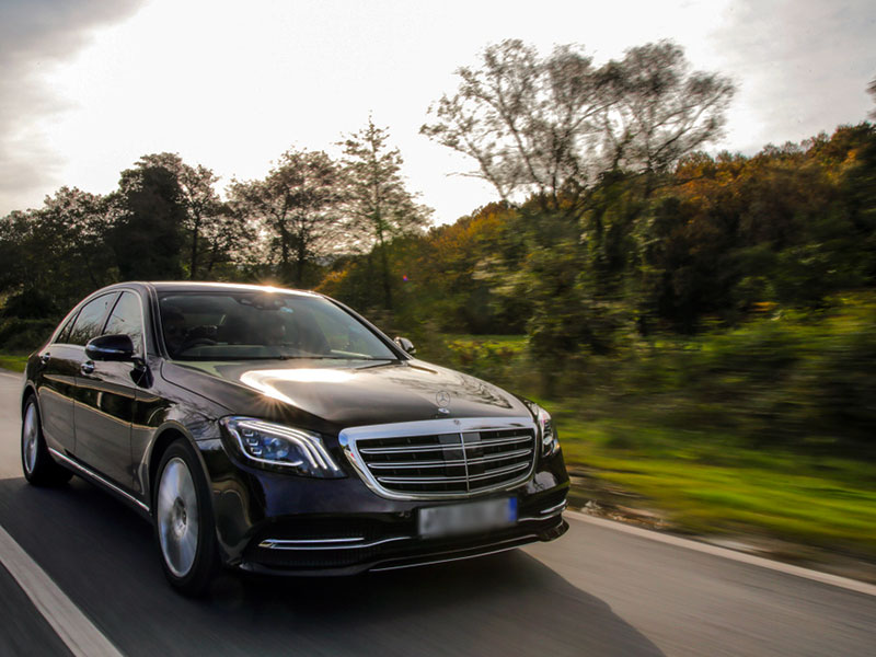 Auto Luxury Mercedes - Travel and Service