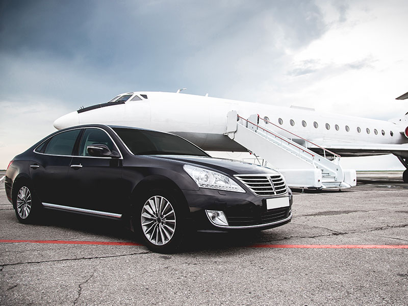 Auto luxury Mercedes Aereo - Travel and Service