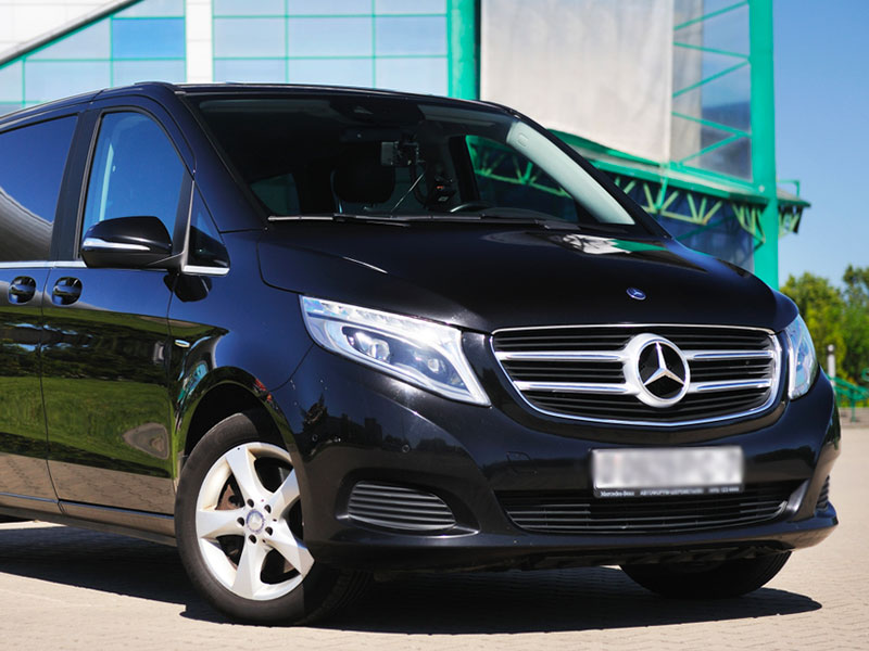 Minivan 6-8 posti con conducente Mercedes - Travel and Service
