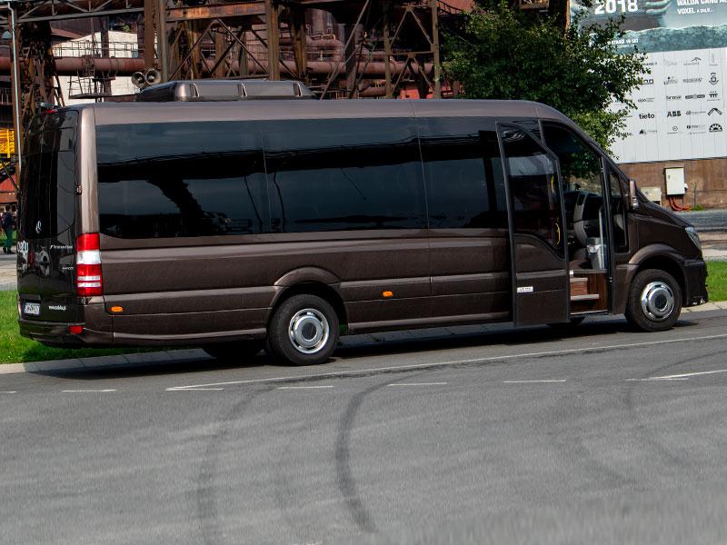Noleggio minibus 14-20 posti rame Travel And Service