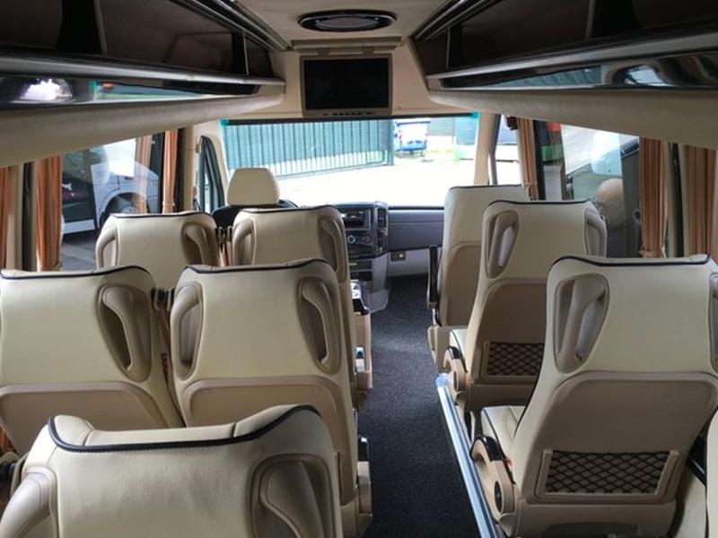 Noleggio minibus 14-20 posti Sedili Travel And Service