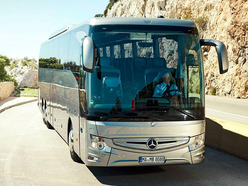 Noleggio Pullman 57-64 Posti Mercedes- Travel & Service