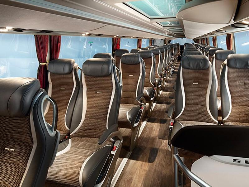 Noleggio PULLMAN doppio 94 posti Sedili- Travel & Service