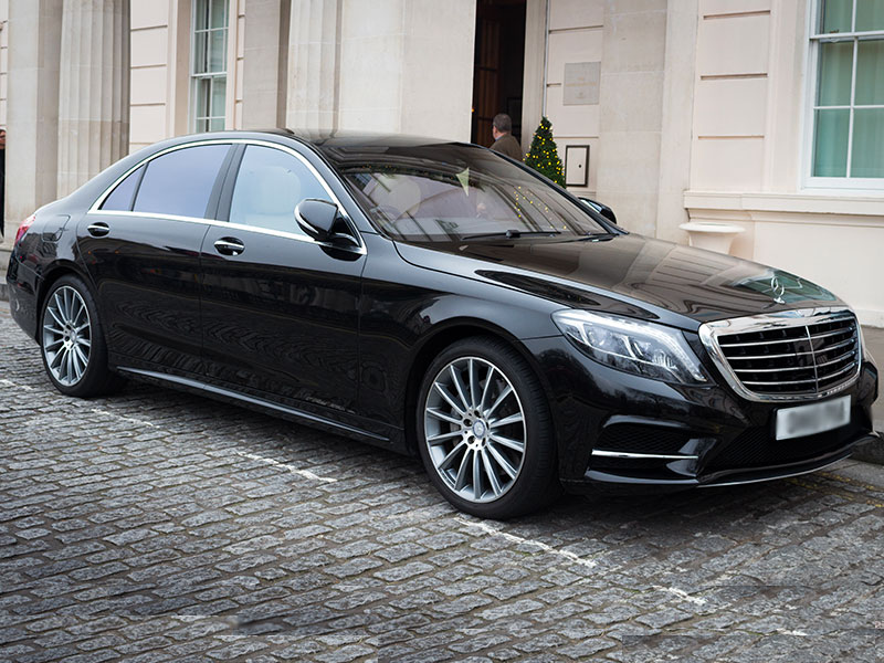 Auto luxury Mercedes Hotel - Travel and Service