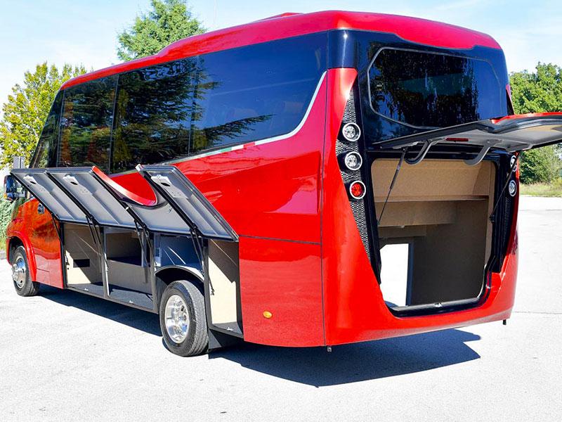 Noleggio minibus 31 Iveco Rosso Travel And Service